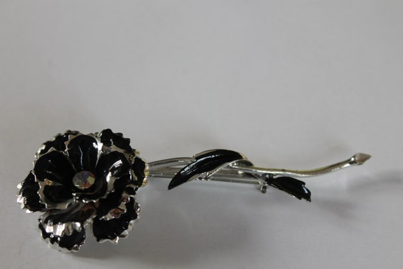BROOCH Beautiful original CORO Vintage Rose  brooch Silver metal, enamel details, AB Crystals.