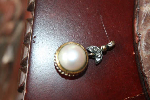 "PENDANT Hand made oxidized Sterling silver 925 and white pearl pendant, line "" Inci""."