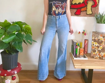 908df398959 Vintage 70s Chemin De Fer bell bottom jeans 28 x 32 light wash mid rise  hippie jeans retro 1970s elephant flares Small RARE