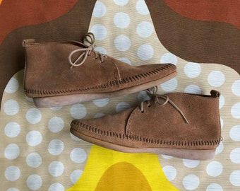 Vintage Minnetonka suede leather moccasins neutral tone lace up ankle boots retro hippie 70s style booties made in USA women's 6