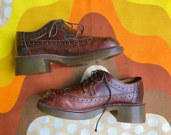 Vintage Doc Martens brown oxfords Made in England Dr Martens AirWair chunky lace up platform shoes retro 1980s 80s Doc Marten shoes mens 7UK