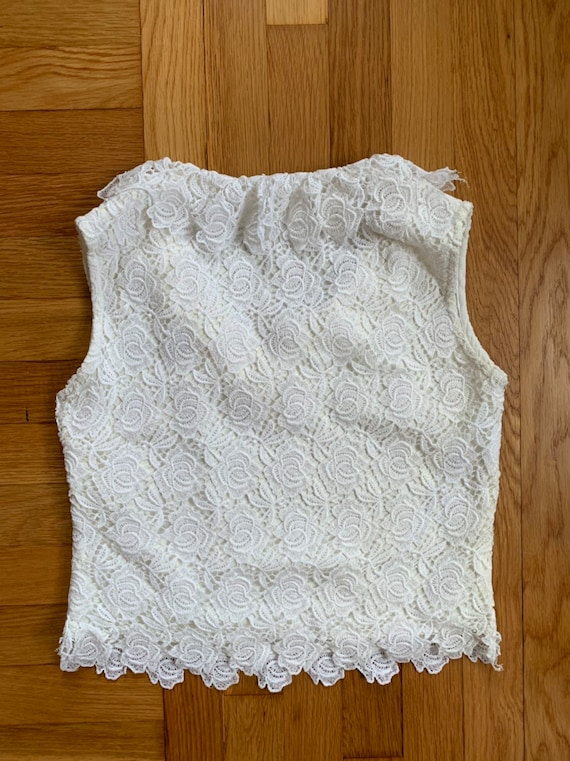 Vintage 1950s white lace ruffled blouse S  40s 50s rose floral lace cut out overlay sleeveless top metal side zipper ruffle neckline