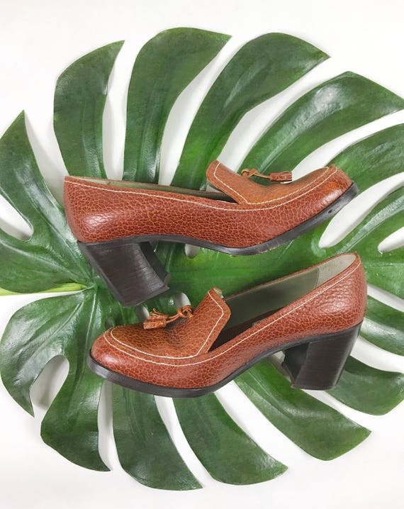 70s vintage textured loafers tassel 1970s loaders heels retro penny heels pumps mod stacked on brown slip platforms leather xw1ngX