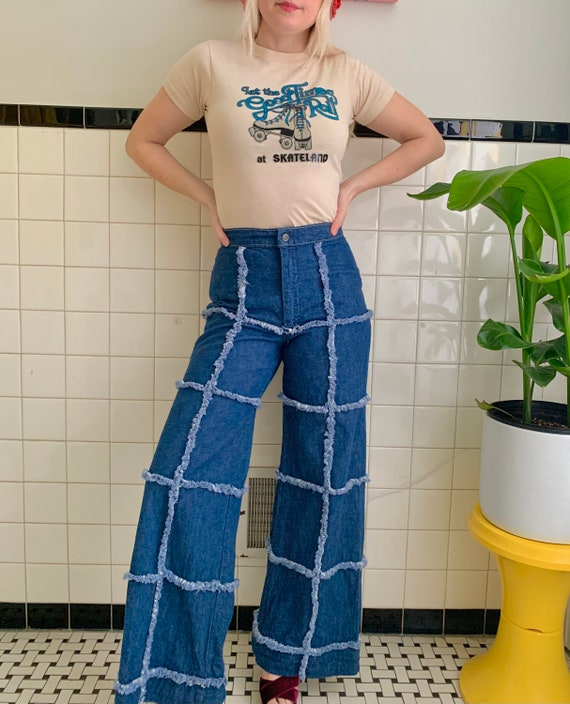 RARE 1970s patchwork grid bell bottoms // 26 x 29