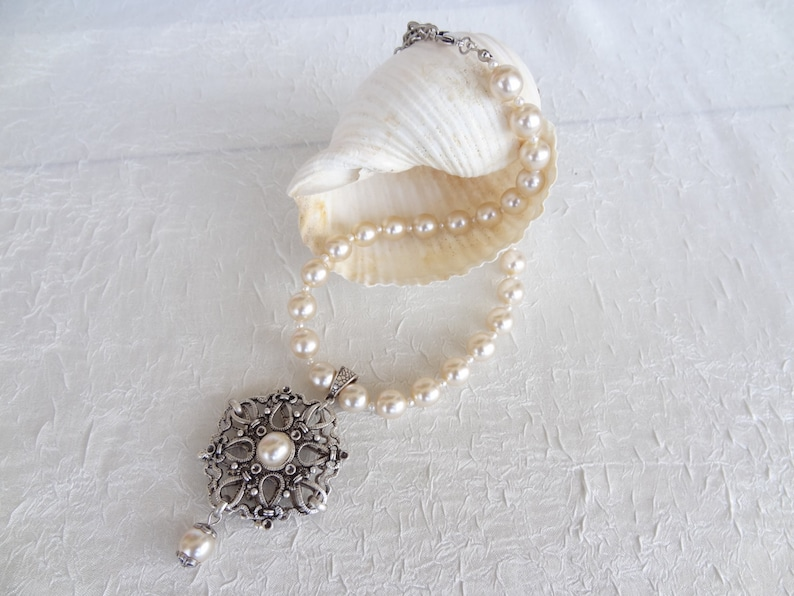 Bridal Pearl Necklace Pearl Beaded And Silver Filigree Frame Etsy