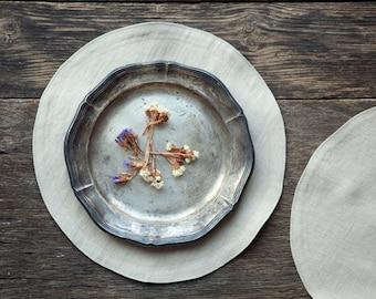 Round placemats, linen placemats, beige placemat set,  custom colours placemats, 10 inch placemats
