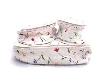 Vintage White FLORAL Dish Storage Cases / Primary COLORS Tulips Vinyl Storage Cases / 1970s White Floral Travel Cases