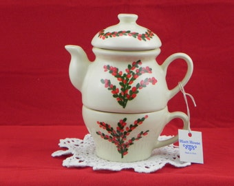 Tea for one/teapot and cup/teapot set/winterberry design/handpainted/ceramic/made in USA/Mother's Day gift