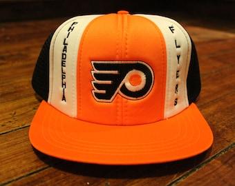 Philadelphia Flyers snapback mesh trucker cap deadstock NHL hockey hat bcb110367