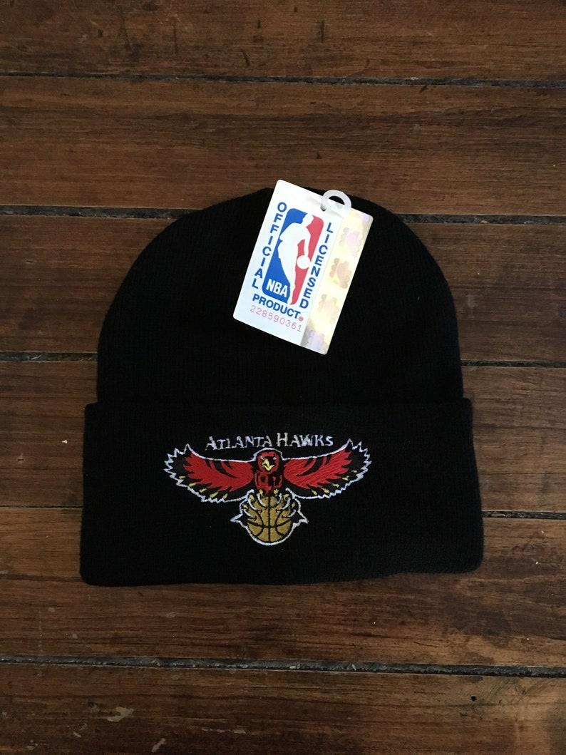 DEADSTOCK Atlanta Hawks winter knit beanie touque NBA  211f15ab2b83