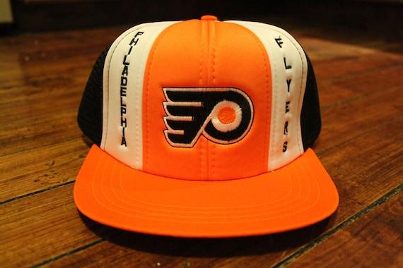Philadelphia Flyers snapback mesh trucker cap deadstock NHL hockey hat e52af1df41fd