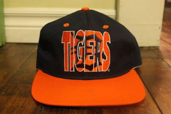 1853e739008 Detroit Tigers script snapback vtg MLB baseball hat cap 1992 ghost