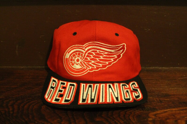 42ec1b049d2 Detroit red wings starter snapback script logo NHL hockey hat
