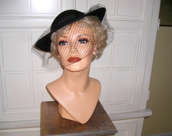 50's black  100% wool  felt picture hat, veil and black grosgrain ribbon trim.  made in USA, stylish and sexy
