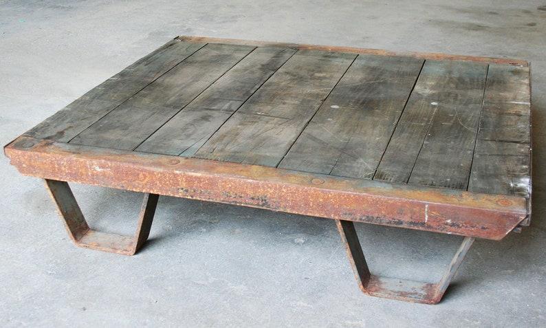 Terrific Vintage Industrial Coffee Table Pallet Industrial Furniture Creativecarmelina Interior Chair Design Creativecarmelinacom