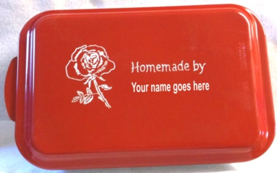 engraved cake pan, customized cake pan, personalized cake pan, cake pan with flower, cake pan with name, red cake pan, colored cake pan