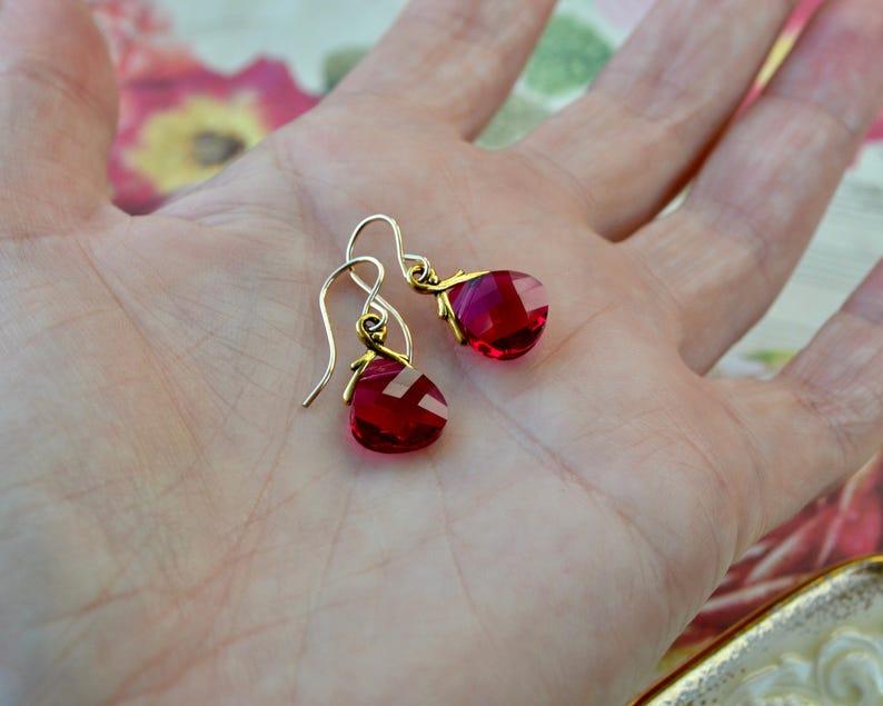 1pc Pewter Bear Earring Ruby