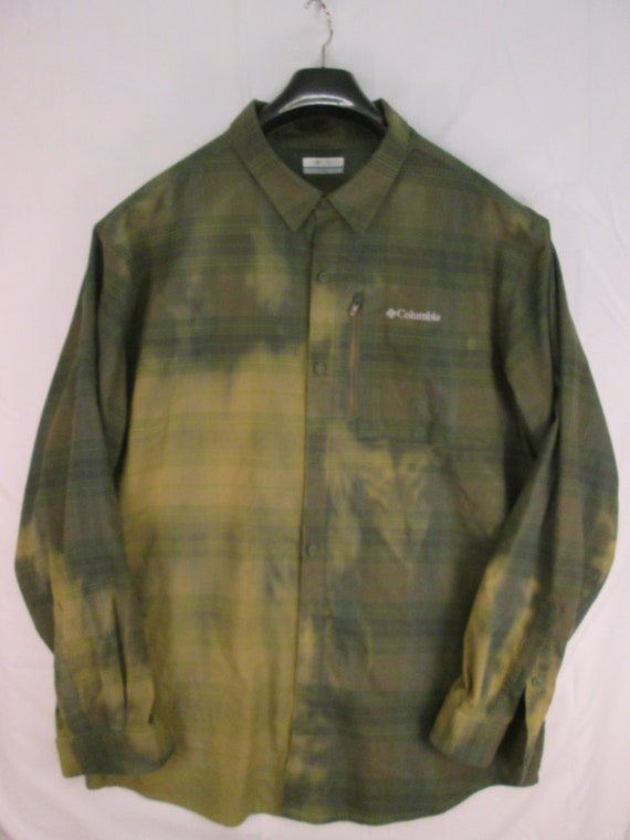 8fc85230e42 vintage Columbia Sportswear button front long sleeve olive