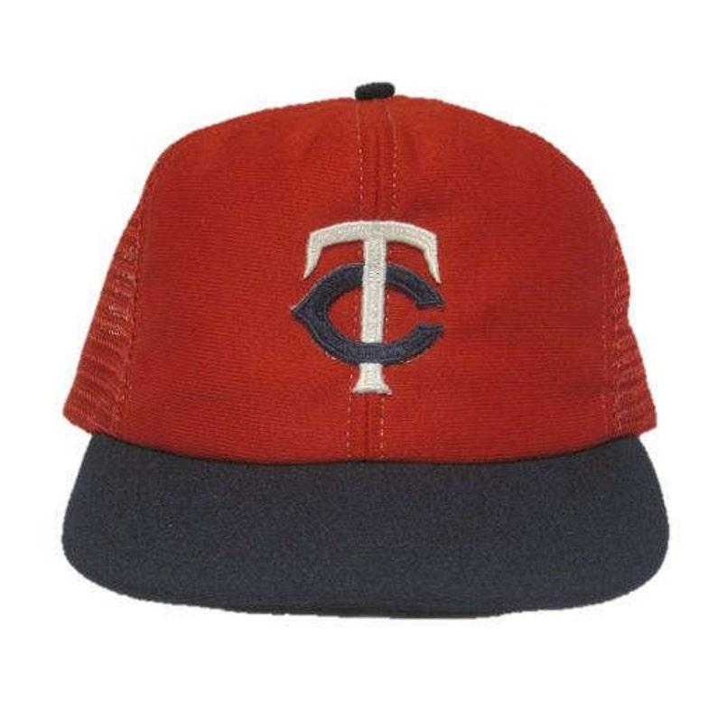 695a3ca9eda Vintage MLB Minnesota Twins baseball hat snapback snap back