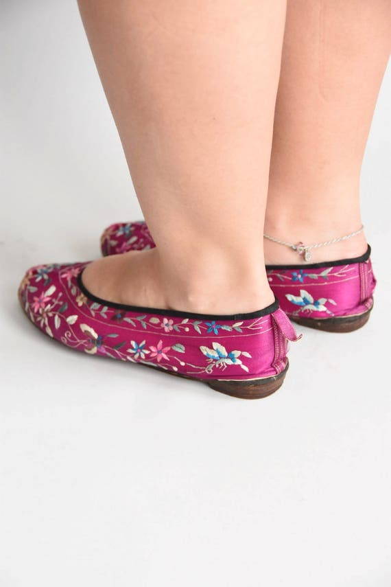 30s/ 40s Sweet Steps house shoes/ vintage embroid… - image 5