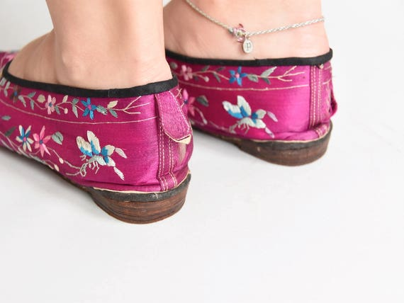 30s/ 40s Sweet Steps house shoes/ vintage embroid… - image 7