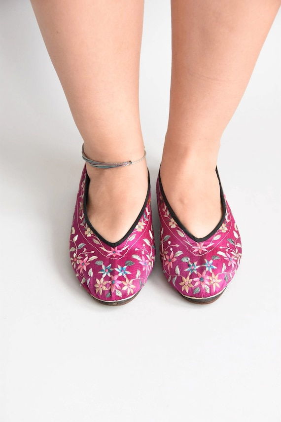 30s/ 40s Sweet Steps house shoes/ vintage embroid… - image 3