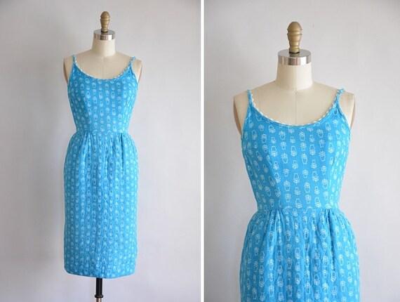50s Blue Bloom dress / vintage 1950s floral wiggle