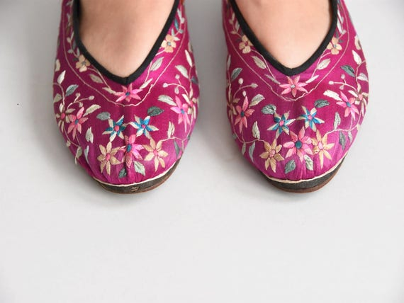 30s/ 40s Sweet Steps house shoes/ vintage embroid… - image 4