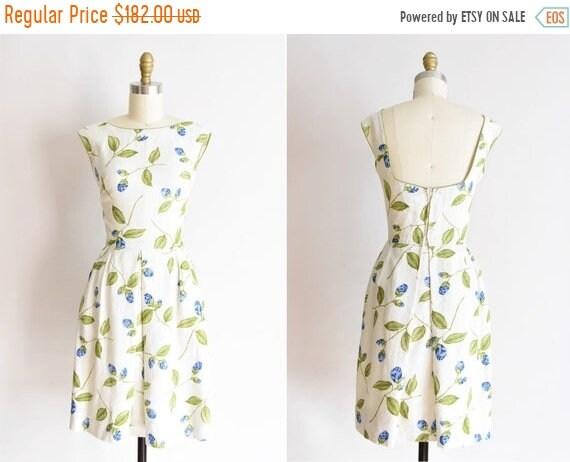 ON SALE 1950s De La Rosa dress /vintage 1950s rose