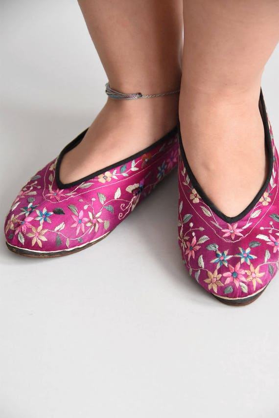 30s/ 40s Sweet Steps house shoes/ vintage embroid… - image 2
