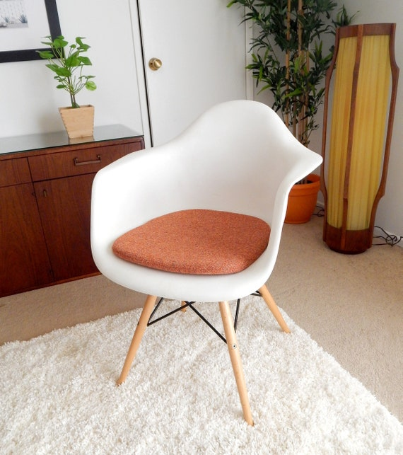 Eames Molded Plastic Arm Chair, Eames Side Chair Pad