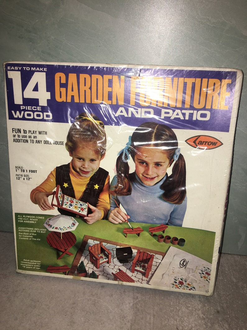 New old stock Vintage 1979 Arrow Handicraft 14 pc wooden garden and patio dollhouse furniture Kit #6961 Rare