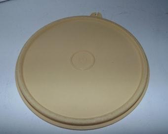"""Vintage Tupperware Replacment LID yellow 227 6.5""""  Burb-Tab"""