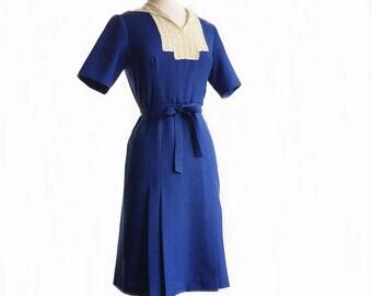 Vintage 60s navy blue dress/ lace front panel & collar/ box pleats/ blue office dress/ lace decoration/