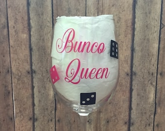 Bunco wine glass, game night glass, bunco, dice game glass, prizes for Bunco, theme party glassware, hostess Bunco gift, Bunco winning gift