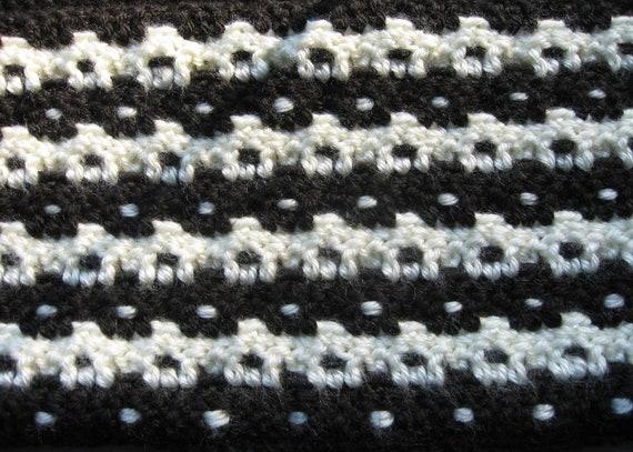 Black Off White Crochet Houndstooth Scarf Pattern Etsy