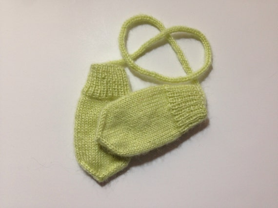 4bc386d71db5 Hand knitted baby thumbless mittens 3-12 months olds mittens