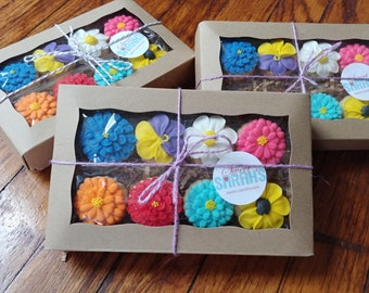 Flower cookies gift box -- 8 cookies-- Made to order decorated sugar cookies  -- birthday anniversary thank you gift