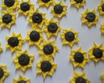 Royal icing small sunflowers -- Made to order -- Edible cake decorations cupcake toppers (24 pieces)