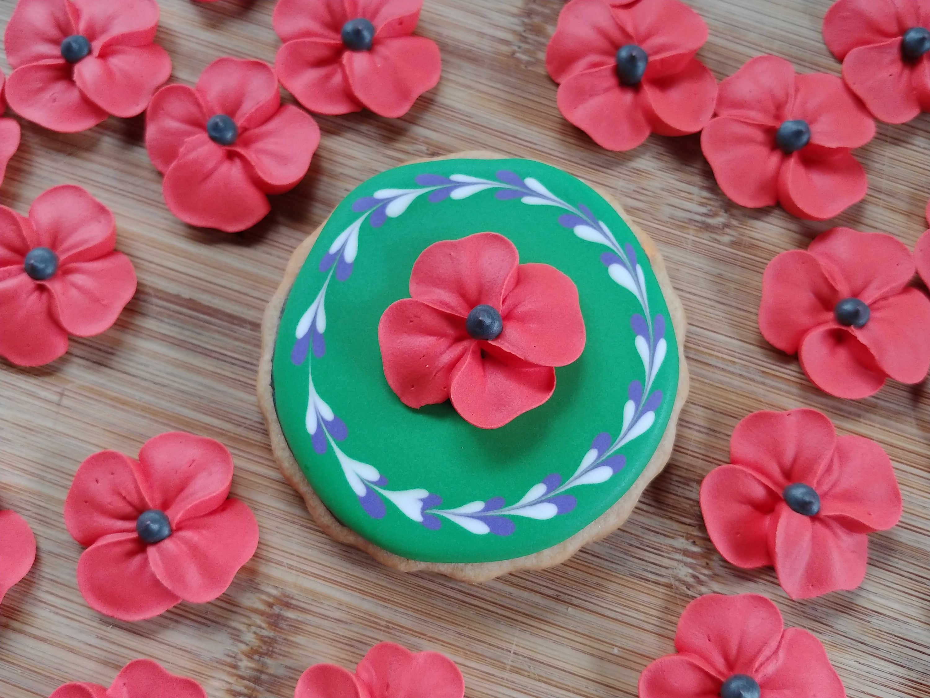 Large Royal Icing Poppies Made To Order Edible Handmade