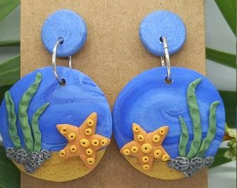 Ocean and seastar scene stud earrings - polymer clay  - handmade - sea beach underwater starfish