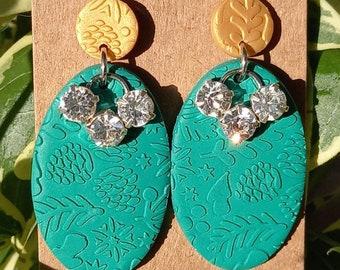 Handmade Polymer clay Christmas Earrings - green - gold - sparkly - studs - festive