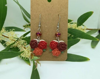 Bright bunch of roses earrings - polymer clay  - handmade - statement flower classic dangle leaves rose