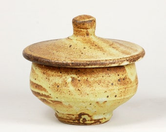 Classic sugar bowl glazed in matte glaze