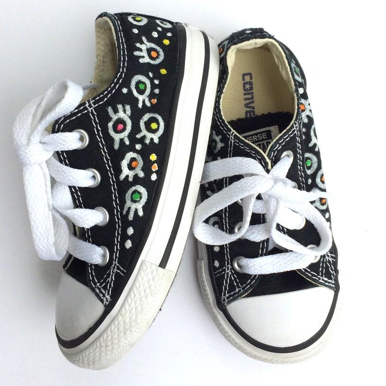 Benutzerdefinierte Converse Chucks, handbemalte Sneakers. Individuelle Baby Turnschuhe Größe 7