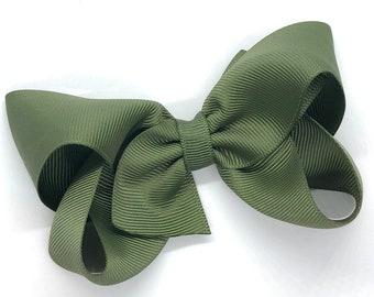 Olive green hair bow - hair bows for girls, toddler hair bows, boutique bows, 4 inch hair bows