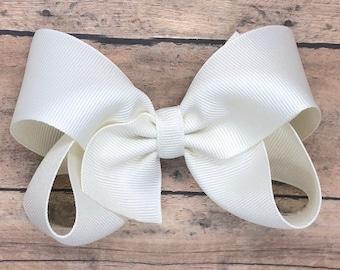 Off white hair bow - hair bows, hair bows for girls, baby bows, toddler hair bows, boutique hair bows, big hair bows, hair clips