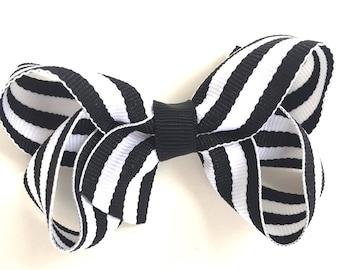 Black & white striped hair bow - hair bows, boutique bows, girls hair bows, toddler bows, baby bows, pigtail bows
