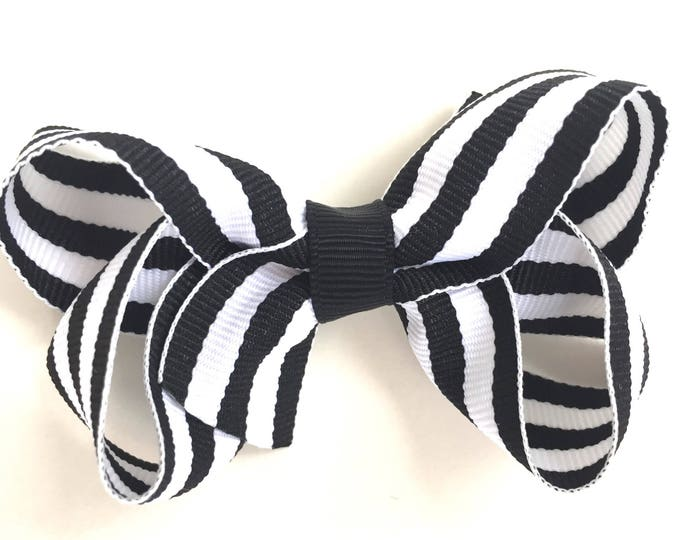 Black & white striped hair bow - hair bows, boutique bows, girls hair bows, toddler bows, baby bows, pigtail bows