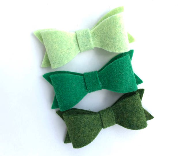 Set of 3 green felt hair bows - felt bows, hair bows, bows for girls, hair clips for girls, baby bows, toddler hair bows